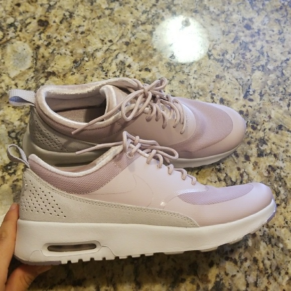 official photos 73733 0a51d WOMENS NIKE Air Max Thea LX  881203-600. M 5ae216ba9cc7efc3c8288f11
